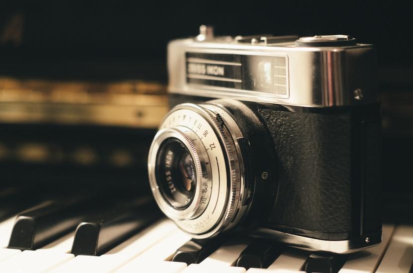 camera-photography-vintage-lens-large